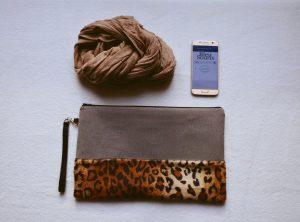Grande pochette de la marque Bleu Souris gabardine chevron et léopard