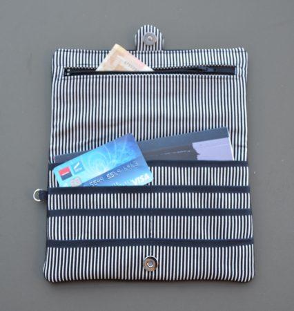 Portefeuille noir et rayures blanches Bleu Souris